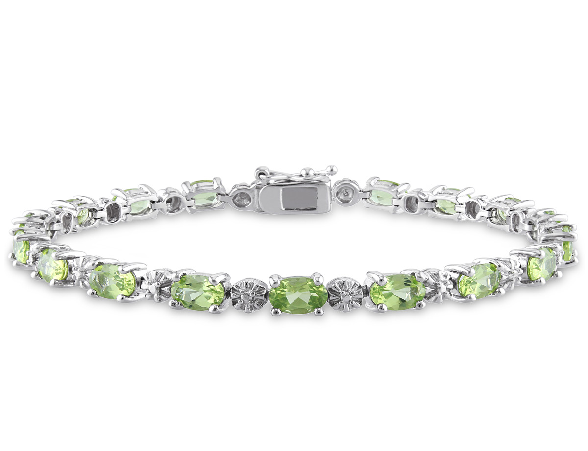 Peridot Bracelet 8.80 Carat (ctw) with Diamonds in Sterling Silver