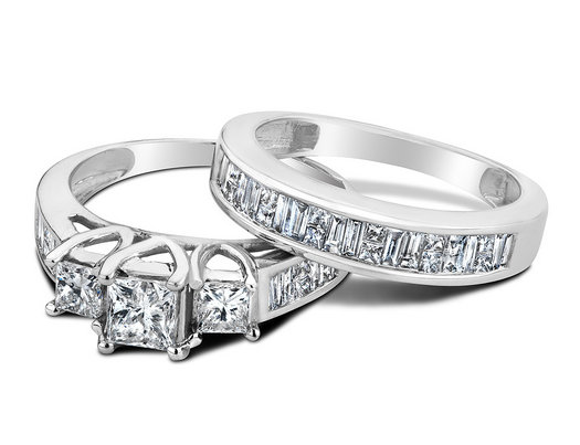 Three Stone Princess Cut Diamond Engagement Ring and Wedding Band Set 2.0 Carat (ctw Color H-I Clarity I1-I2) in 14K White Gold