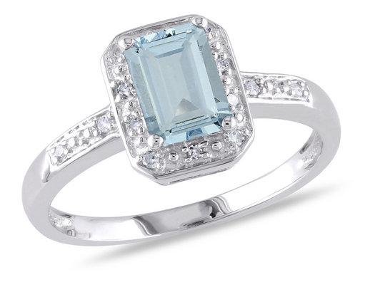 1.00 Carat (ctw) Emerald-Cut Aquamarine Ring in Sterling Silver