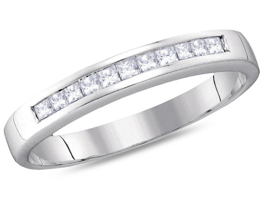 Ladies 14K White Gold 1/4 Carat (ctw H-I, I1-I2) Princess Cut Diamond Wedding Anniversary Band
